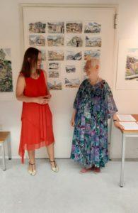 Dr. Elisabeth Viertler stellt Trude Saltuari-Oberegger vor