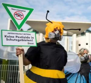 Verbot von Pestiziden wird durch Firmen verzögert